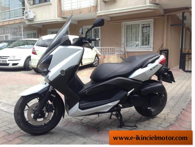 2.El Yamaha xmax 400 abs